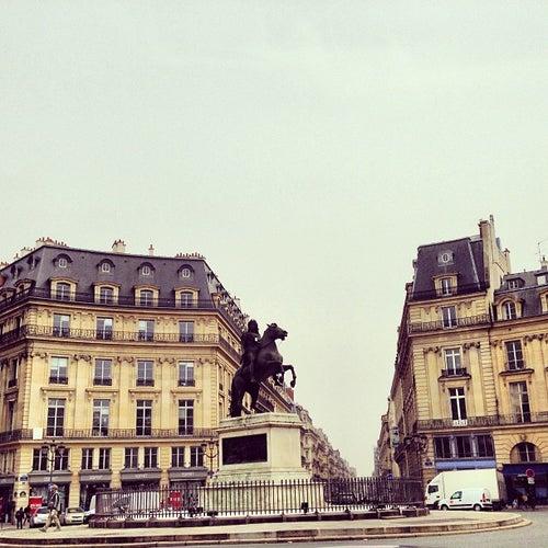 Place des Victoires_24