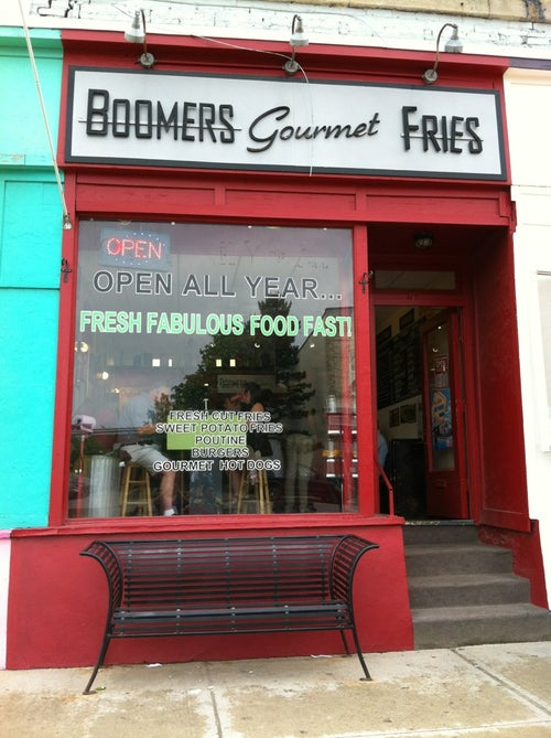 Boomer's Gourmet Fries_24