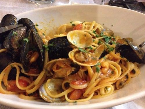 Il Vesuvio Restaurant A Vintimille Italie Guide De Voyage Tripwolf