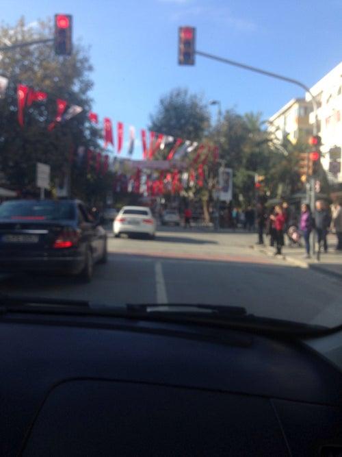 Avenue Bagdad_24