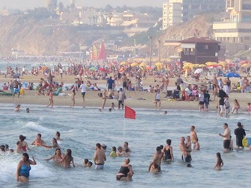 HaNechim Beach (חוף הנכים)