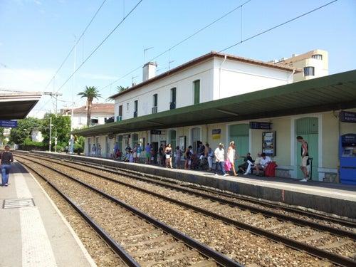 Gare de Juan-les-Pins