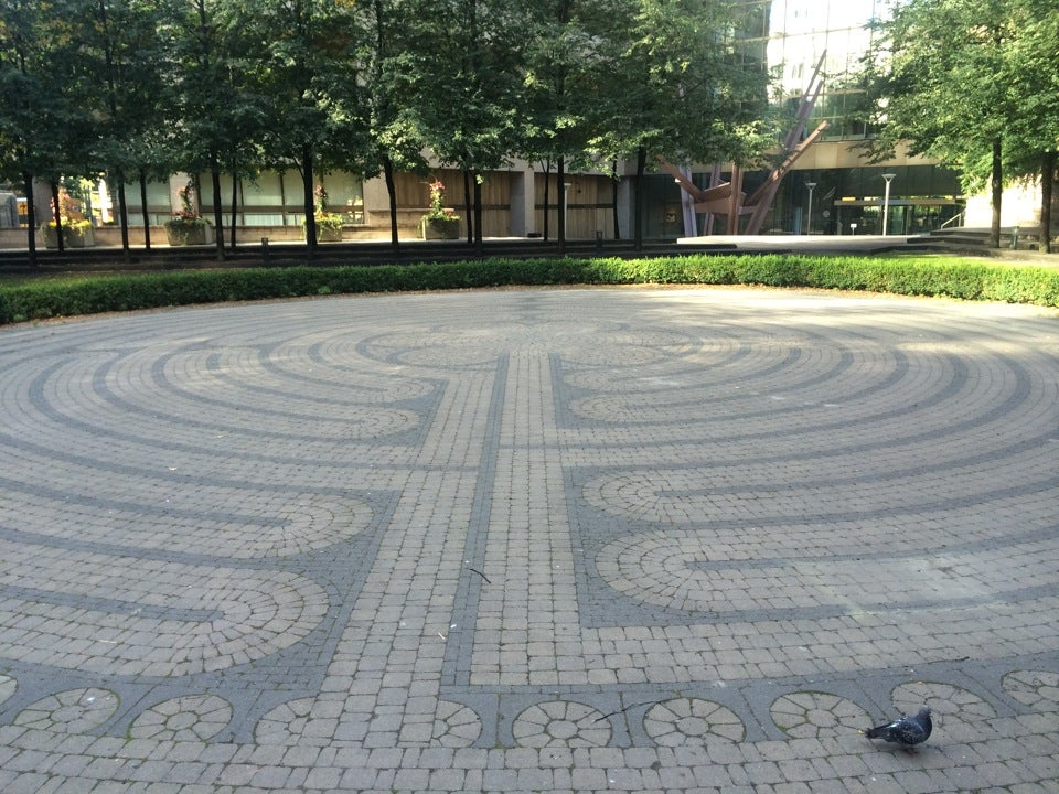 Image of the Trinity Park Labyrinth from the start path