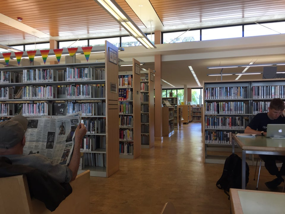 Photo of Eureka Valley / Harvey Milk Memorial Branch Library