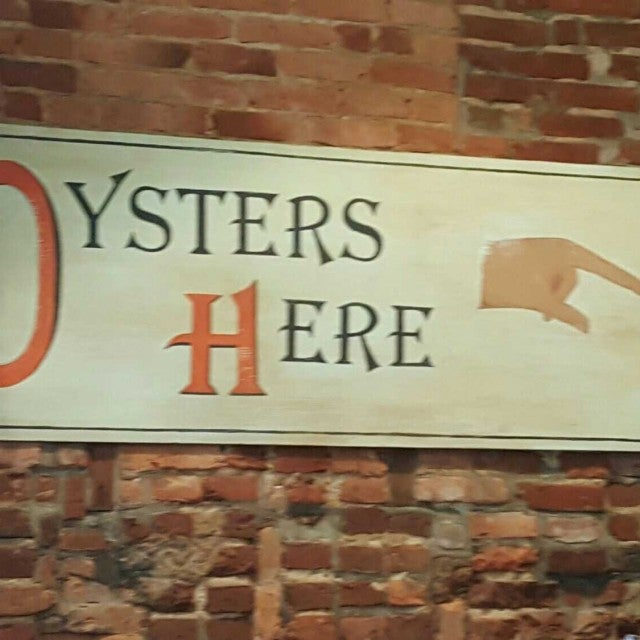 Photo of Hank's Oyster Bar