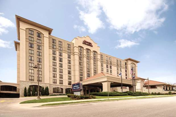 Photo of Hampton Inn & Suites Country Club Plaza
