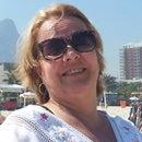 Leila Fernandes