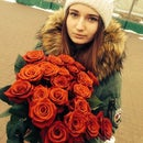Лена Комарова