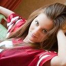 Leah Hampl