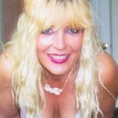 Dorothy Lynch Daidone
