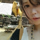 Yumi Zhou